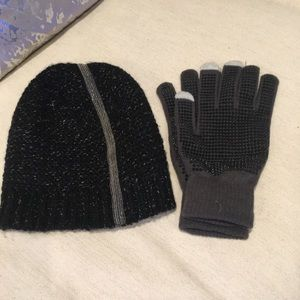 Glove/hat/never wore